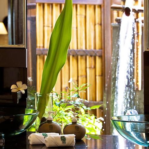 25557310-H1-Vabbinfaru-Villa-Outdoor-Shower