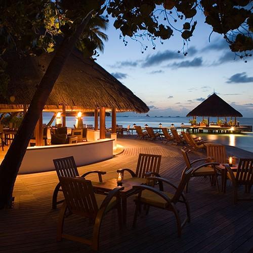 27798396-H1-ANMI_JB_0605_Restaurant_VelaavaniBar_Exterior_Sunset_L8P7264