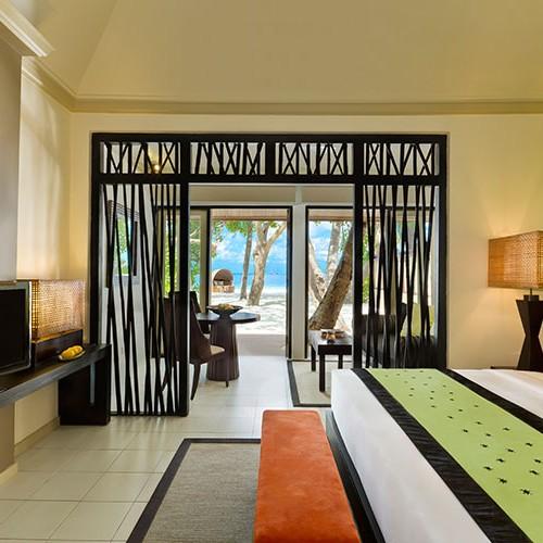 48316986-H1-ANMDIH_FH_0712_Beach_Pool_Villa_Bedroom_1627DI