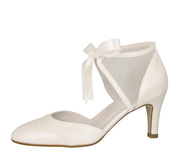Tips 1: Hvordan velge en brudekjole og sko