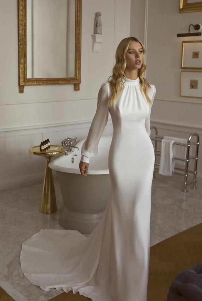 2fa33541 Sneak peek! Her kan du se noen av de nye kjolene for 2020 som kommer til  Belle Amie Brudesalong i Bergen i løpet av høsten.