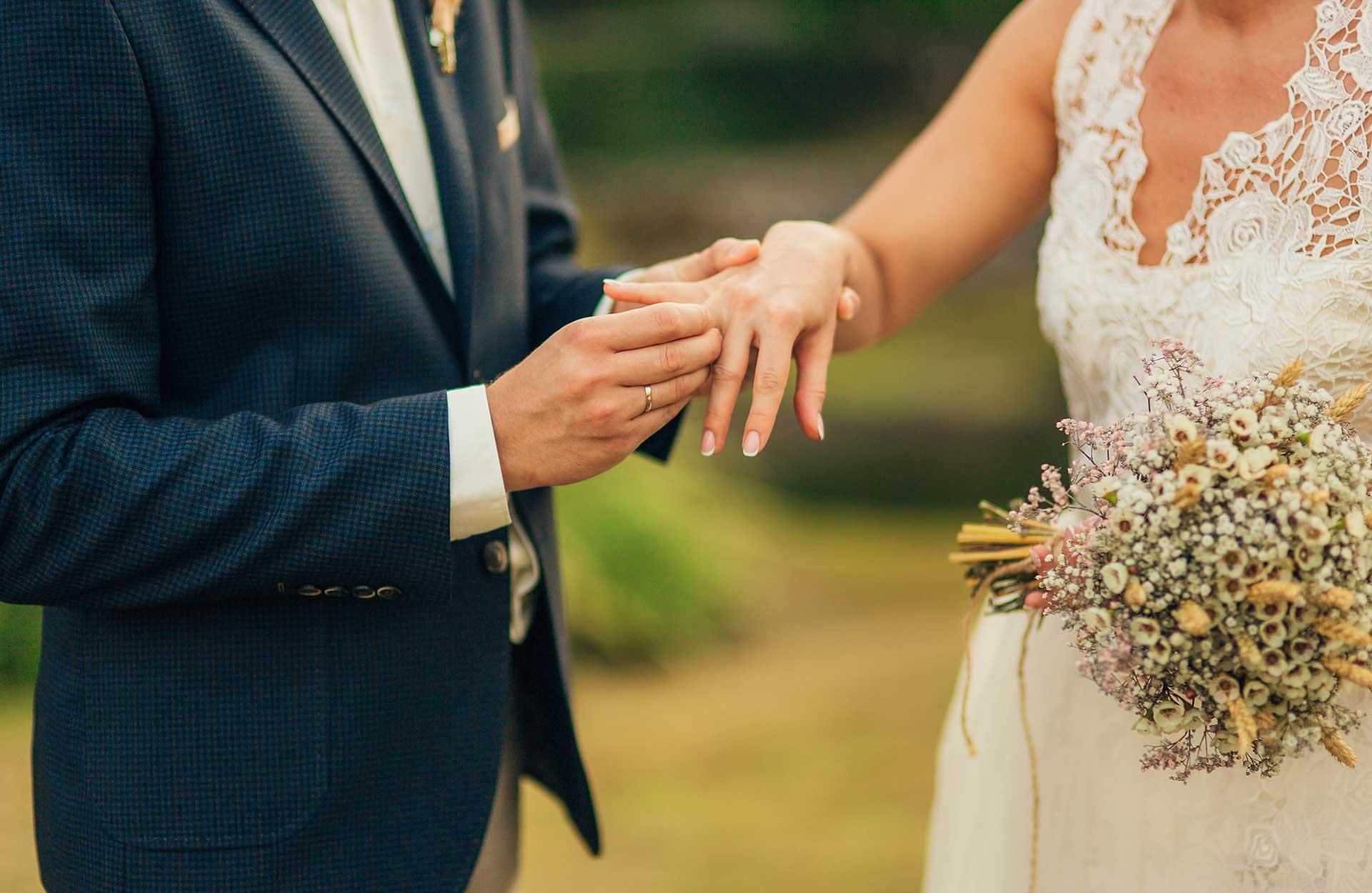Fornye ekteskapsløftene